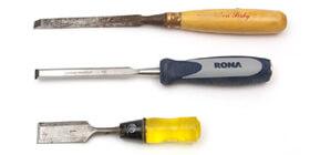 Ciseaux à bois - Plusieurs utilisations des ciseaux à bois peuvent être remplacées par l'utilisation de la toupie électrique ou de l'outil rotatif DREMEL.